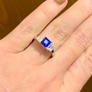 Jewelry - Size 5 Safire Blue Stone Ring